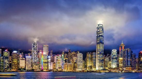 梁海明:香港经济完全有能力更好