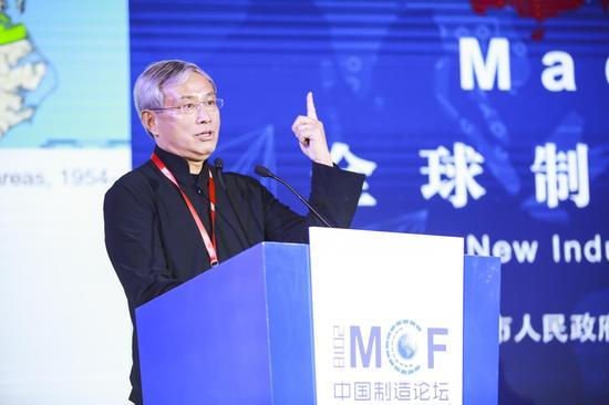 北京大学国家发展研究院教授周其仁