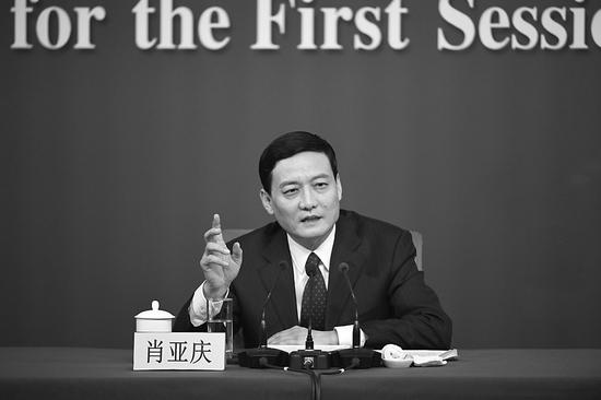 国资委记者会谈国企改革:将推集团股权多元化和混改