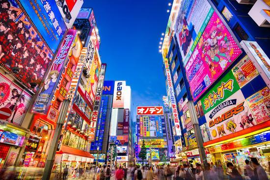 日本拟降低外国人购物免税门槛 吸引中国游客买买买
