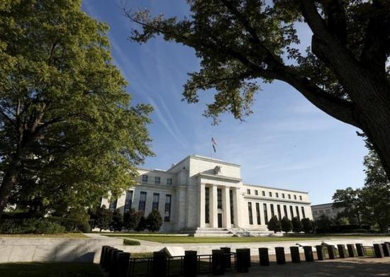 资料图片:2015年9月,美国华盛顿,美联储总部大楼。REUTERS/Kevin Lamarque