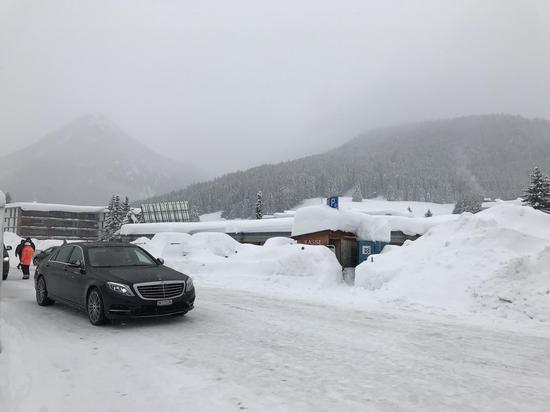 记者手记:达沃斯罕见暴雪致交通瘫痪