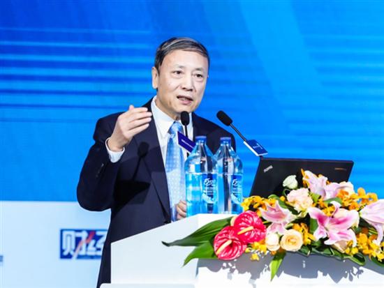 社科院蔡昉呼吁对机器人征税:否则人类将向它们乞讨
