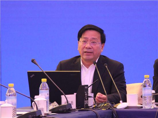 论坛成员、中央财经领导小组办公室副主任、中央农村工作领导小组办公室主任韩俊