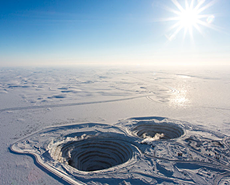 世界最神奇的坑!1年挖700万克拉钻石