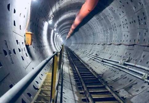 福州地铁2号线西南区间双线洞通 与1号线擦肩而过