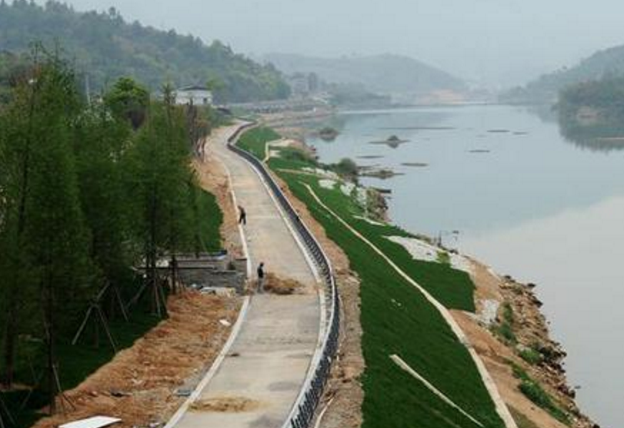 永泰建设福建最长沿溪自行车道