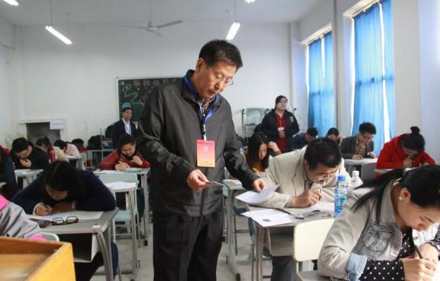 福建选拔选调生和大学生村官1400人 下月5日截止