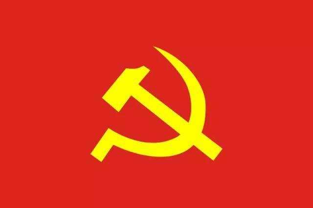 厦门市湖里区:党旗飘扬在小区防控一线