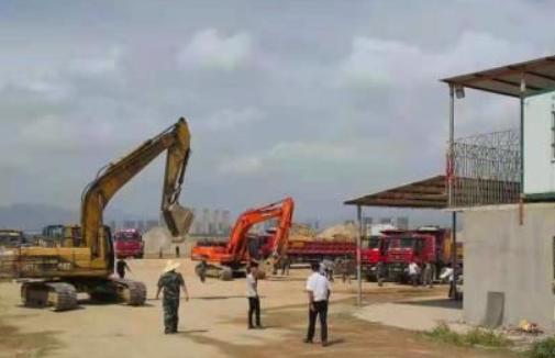 晋江开展违规采砂专项整治 清退十余家非法堆洗砂场