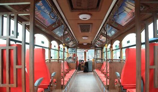 厦门首条铛铛车旅游专线开通 串联集美特色旅游