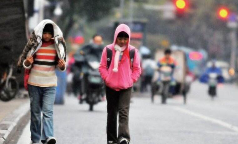 """阴雨天仍""""霸屏"""" 本周福州低温将回落到个位数"""