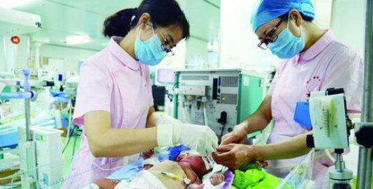 """福建80多家医院""""合体"""" 提升新生儿救治水平"""