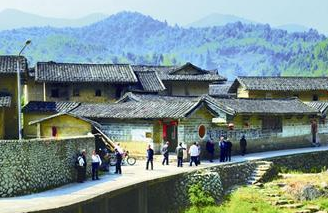 漳州梅林镇建设千年生态古镇 百亩梅园宛如画卷