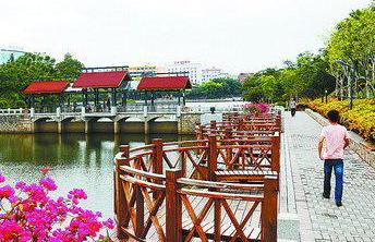 """火炬公园景观提升 居民参与管理想当""""市民园长"""""""