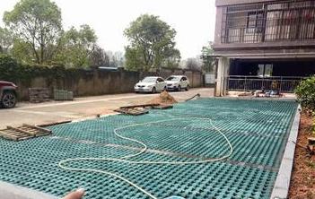 漳州一小区物业铲掉绿化改成停车位 部门将立案调查