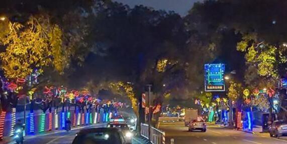 福州鼓楼布置调试新春街景 小年夜全面试亮灯