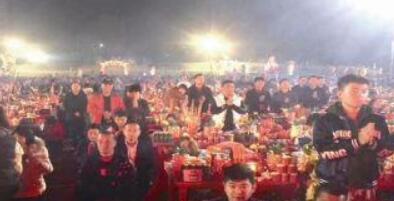 漳州千人集体拜天公 系除夕外最为热闹的一天