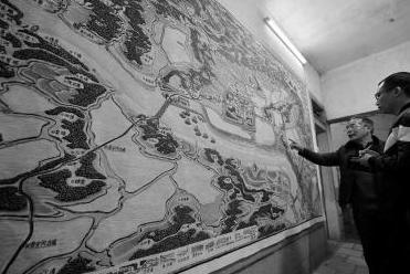 南安丰州67岁老人历时半年创作3米油画 再现海丝双古城