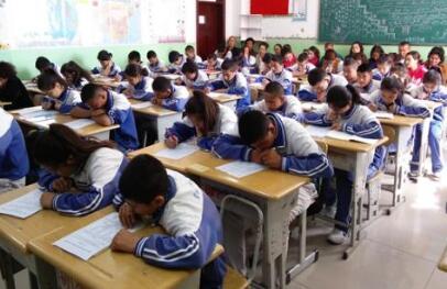 福州6.5万余学生明天将参加中考 今天下午熟悉考场
