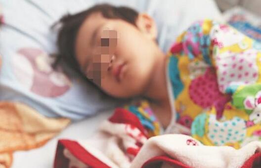 泉州4岁女孩患白血病:爸爸,我什么时候能回幼儿园
