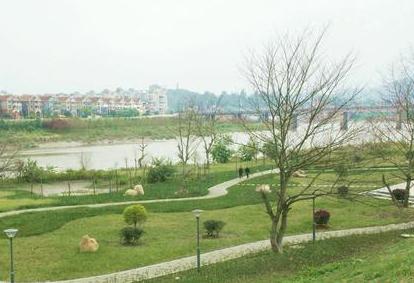 福州连江敖江南岸生态公园开放 建有观鸟栈桥平台