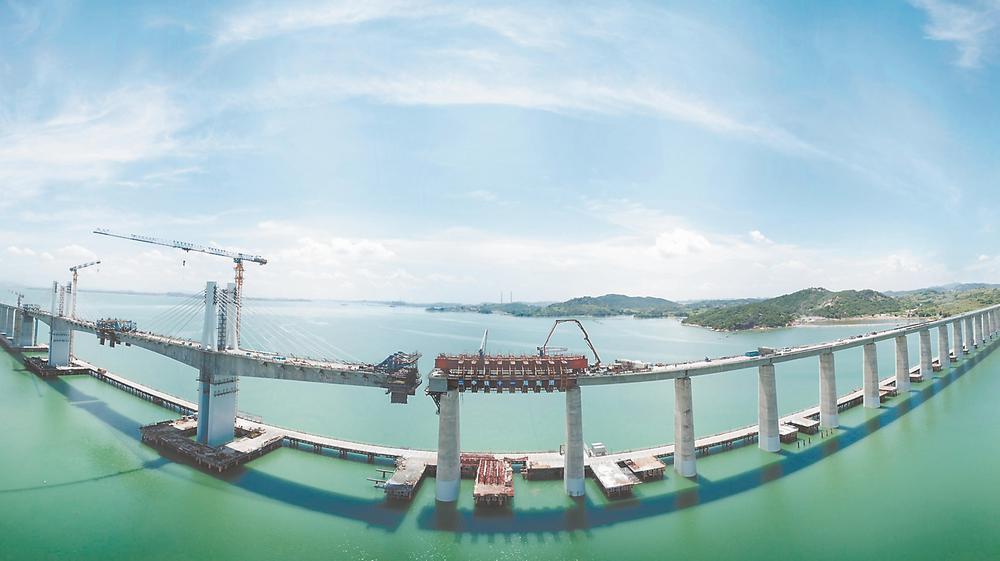 新建福厦铁路湄洲湾跨海大桥即将合龙