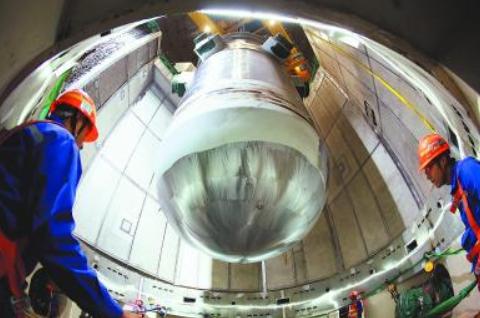 福清核电6号机组核心成功就位 华龙一号进入安装高峰