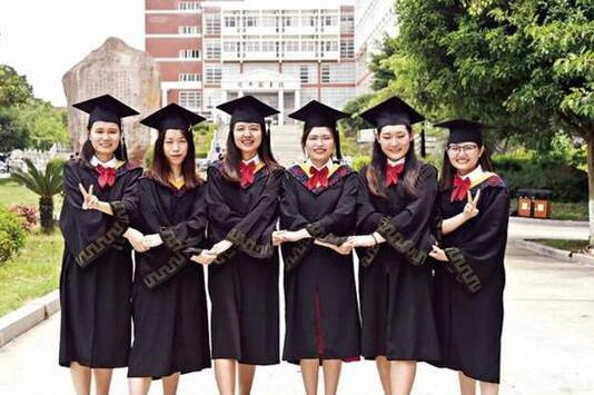 """泉州师院""""学霸宿舍"""" 6女生一起考研5人被录取"""