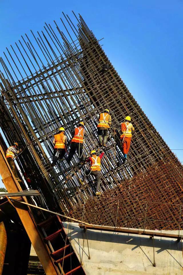 龙岩大桥项目建设现场(资料图)|王耀辉 摄