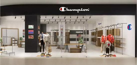 潮牌Champion厦门首店强势入驻宝龙一城