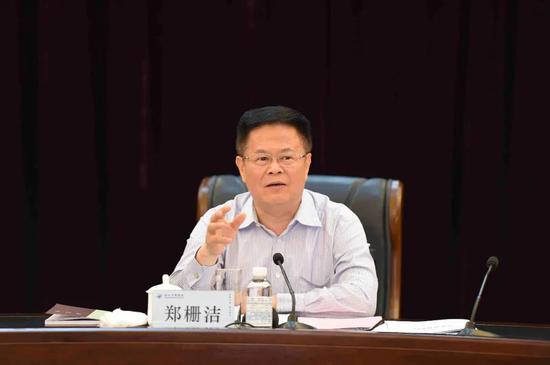 刚刚郑栅洁当选浙江省长 曾任厦门发改委主任、福建副省长