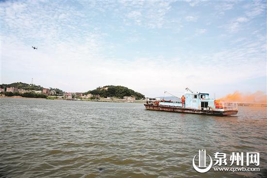无人机参与水上交通搜救演练