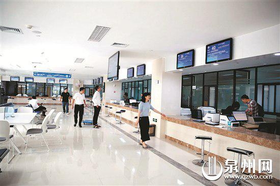 新行政服务中心办事走廊