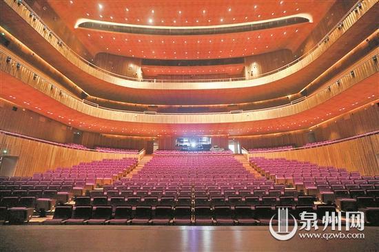 歌剧厅给人宁静典雅的感觉