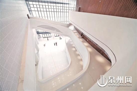 大剧院内部设计风格高雅
