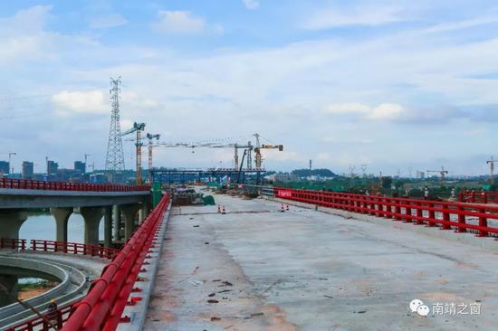 项目建成通车后,靖城新区到漳州市区只需10分钟。