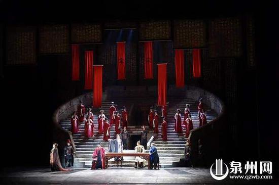 原创歌剧《马可·波罗》盛装上演,精彩表演深深打动了新老观众(陈小阳 摄)