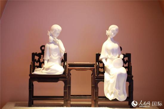 德化瓷烧制技艺(记者贾文婷 摄)