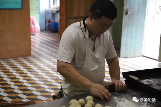 白香饼纯手工制作过程