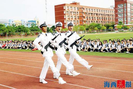 阳江大树岛_厦门多位帅小伙参与国庆大阅兵 受阅经历此生难忘