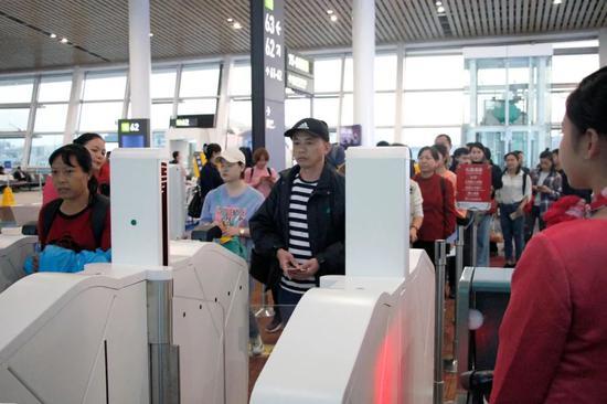 """厦门机场""""智能乘机""""上线 科技体验全新升级 厦门二手信息"""
