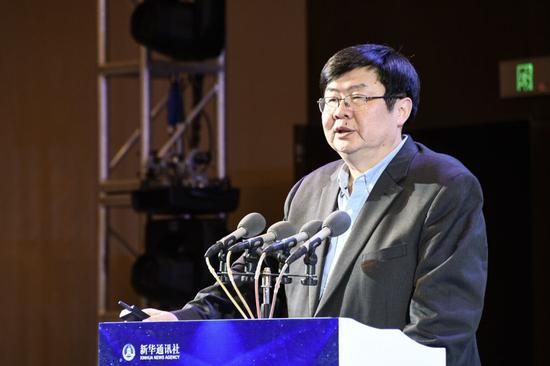 中国人民大学新闻学院宋建武教授发表《建设县区融媒体中心 构建治国理政新平台》主题演讲。(刘忠林 摄)