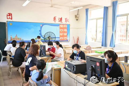 """快讯!厦门小学招生报名开锣 有学校""""两一致""""生源爆满"""