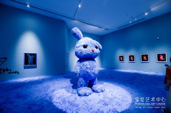 """""""张占占个展:兔子!兔子!""""厦门站开幕 走进艺术家的治愈世界"""