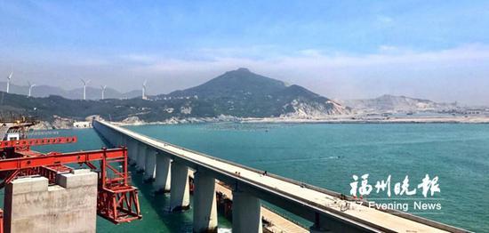 长平高速公路松下跨海大桥。