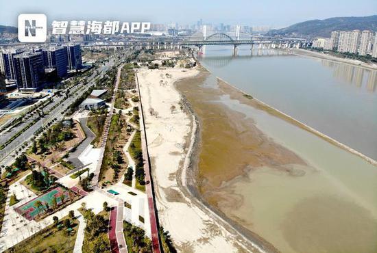 南江滨生态园新建的沙滩