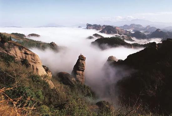 """冠豸山为被誉为""""客家神山"""",""""生命神山""""。龙岩市委宣传部供图"""