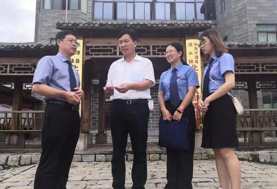 新时代检察宣传周——平潭:检察长接访回应非法集资受害人诉求