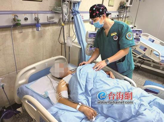 漳州一小区租客深夜上三楼砍人 三楼52岁租客身中10刀